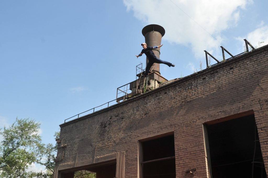 Съемки прыжка со здания